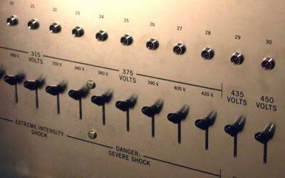 Kontrolpanel fra Milgram-eksperimentet