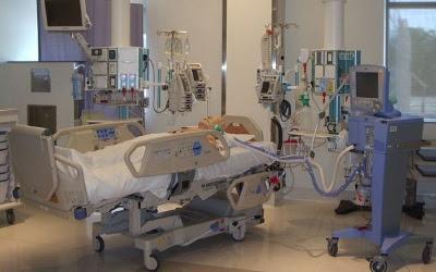 Seng på en intensiv-afdeling
