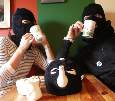 Terrorist Teapot and Cozy - Terrorist tekande og tehætte