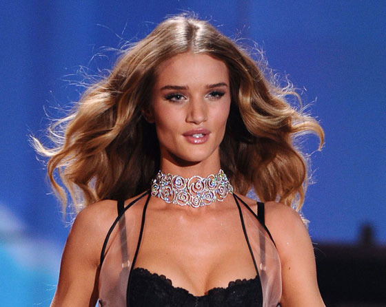 rosie huntington whiteley hair colour. Rosie Huntington-Whiteley: