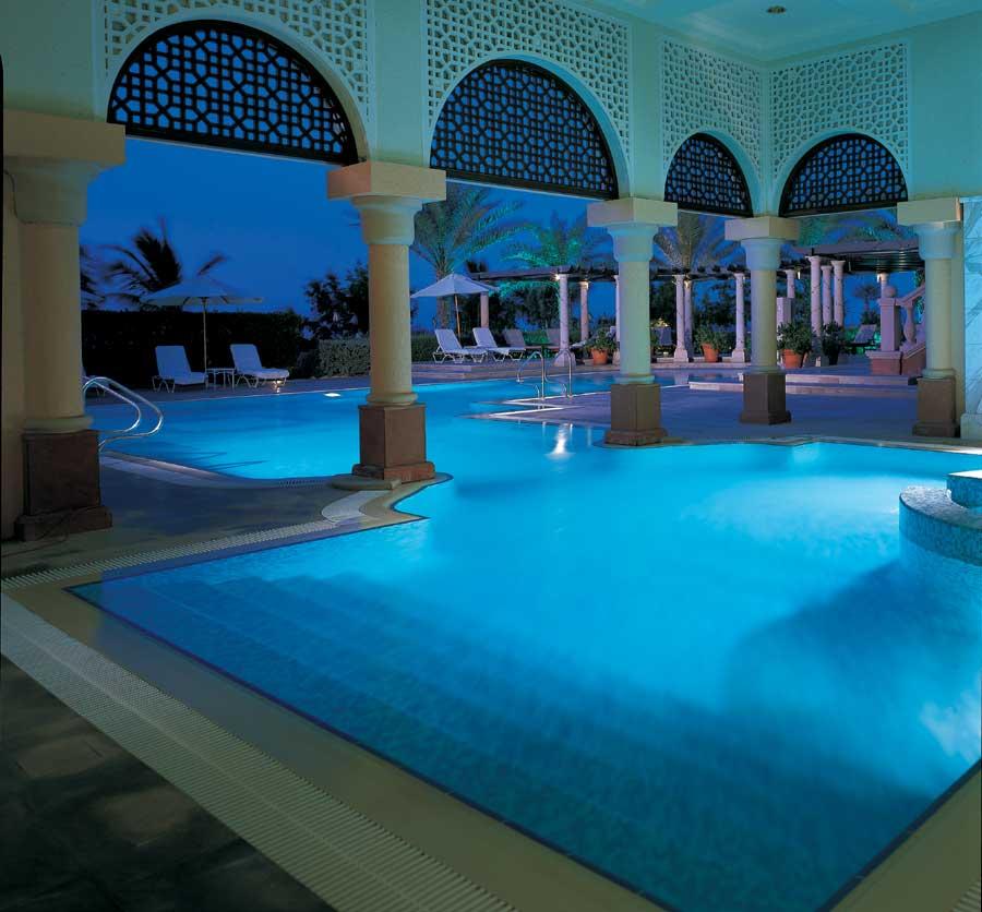 Ritz carlton dubai hotel hotels in dubai for Hotels with private pool in dubai