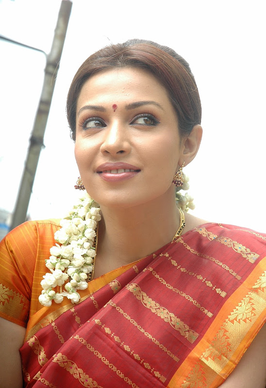 Actress Asha Saini FloraMayuri in Hot Saree HQ Photos Gallery unseen ...