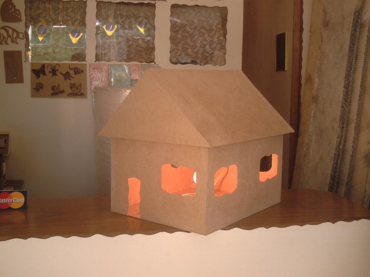 Artesanatos em Madeira: Decoração para festas infantis casinha #AD481E 1280x960