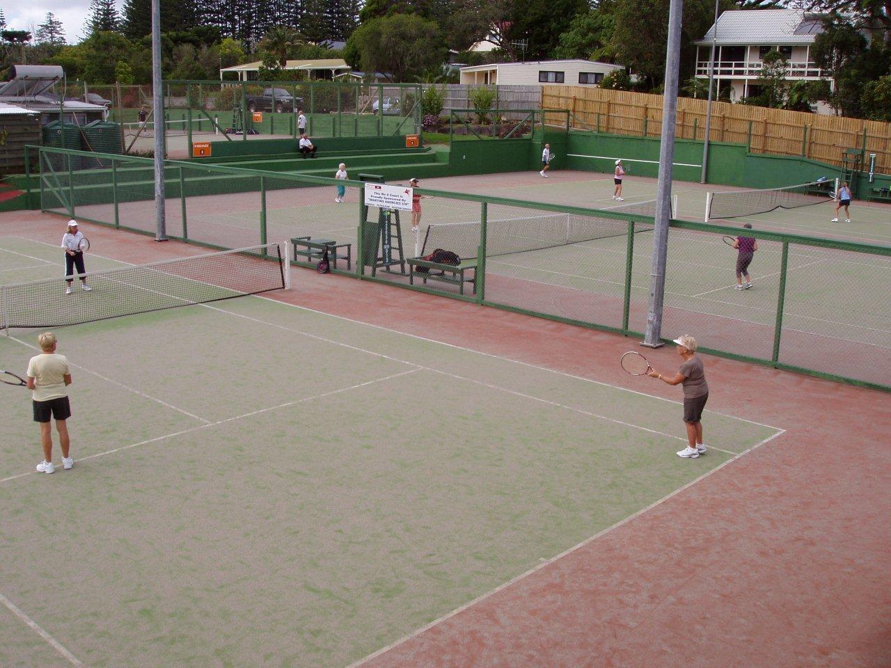 http://1.bp.blogspot.com/_DYHI9jCSTHA/TDKO7oHOM-I/AAAAAAAAACs/7Z8Gney4peA/s1600/Tennis+action+1.jpg