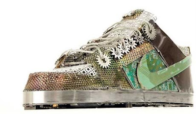Top 10 coolest custom sneakers likepage - Recyclage de chaussures ...