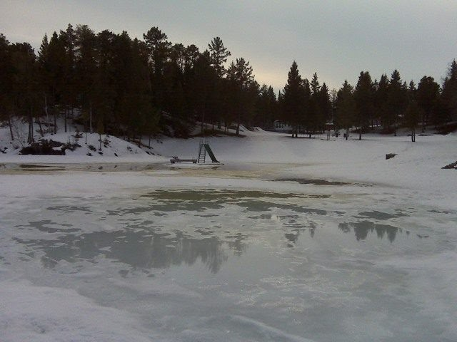Canada 39 s best fishing and hunting ice out early by for Red lake ice fishing resorts