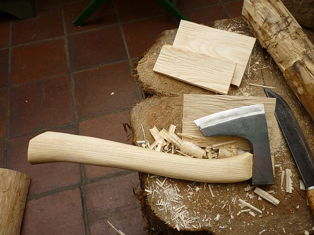 Spoon carving first steps re helve handle an axe