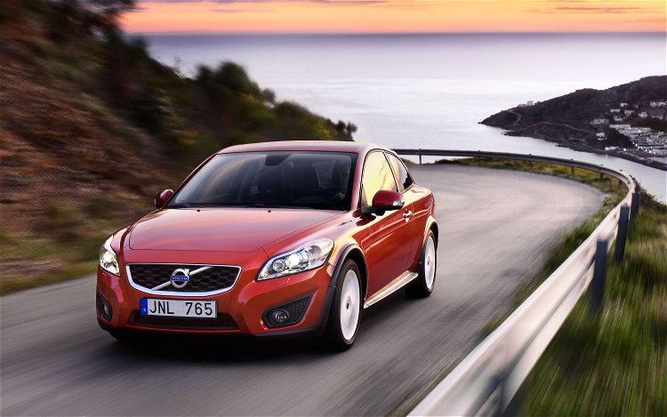 2011 Volvo C30 T5 and C30 T5 R-Design