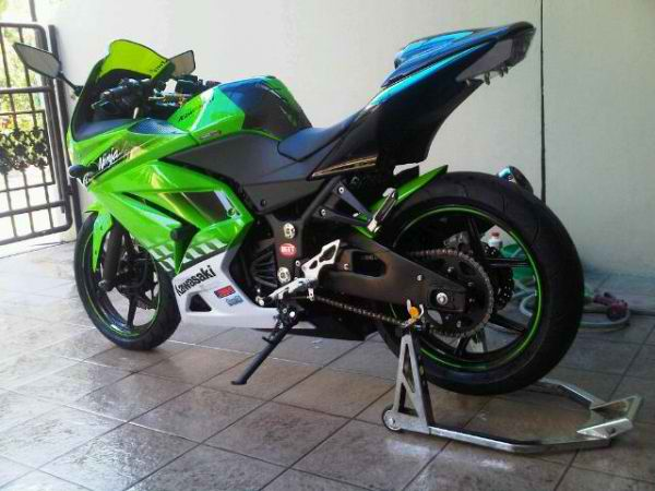 FULL MODIFIKASI Kawasaki Ninja 250R 2010 (Limited Edition)