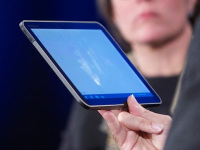 MOTOROLA TABLET PROTOTYPE POWERED ANDROID 3.0