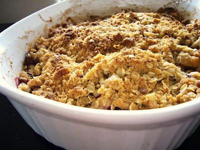 sunday sweets: plum oatmeal crisp