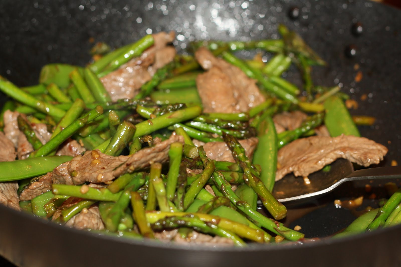 Remove skillet from heat and stir in lemon juice and basil. Toss steak ...