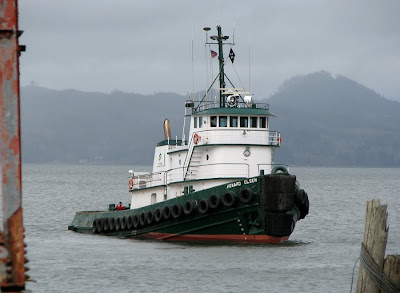 Tugboat Howard Olsen on the Columbia River at Astoria
