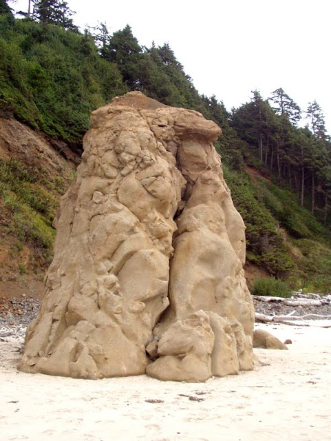 An unusual rock formation, Crescent Beach, Oregon