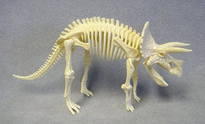 Model Dinosaur Skeleton or Fossil, Articulated