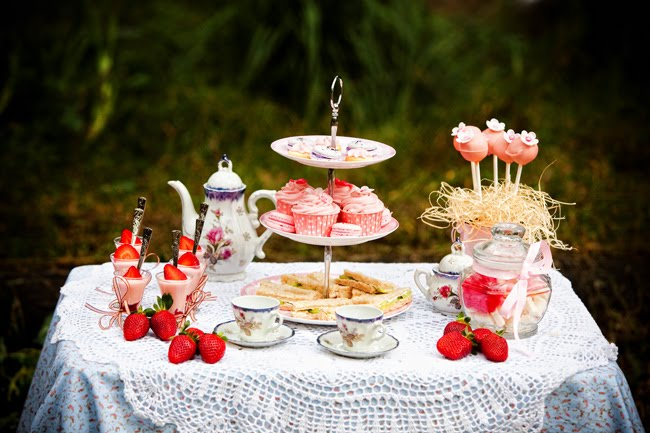 Tea Party Table Settings Ideas : couple of days ago Bubble and Sweet was lucky enough to be involved ...