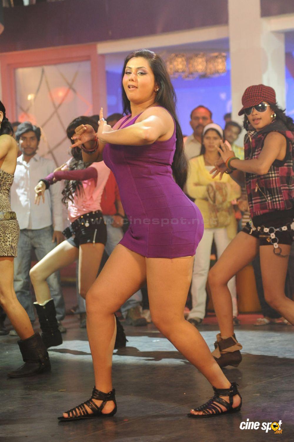 Tamanna Bathing Mms Tamanna Show Namitha Sexy Photo Namitha Hot Spicy Namitha Dress Change Photos Videos Glamour Namitha