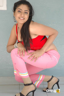 Reshma Hot