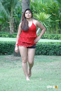 HOT ACTRESS  FARAH KHAN  PICTURES