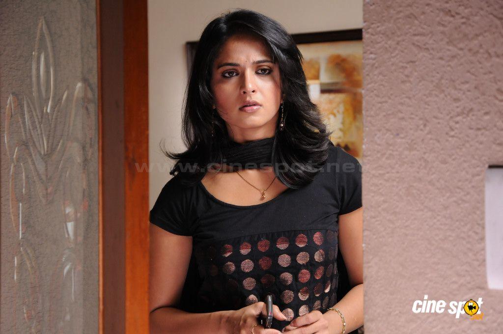 Telugu Heroine Anushka Hot Lip Kiss Pictures