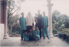 (Raya 2004)