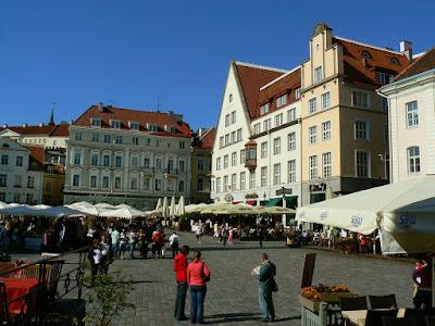 Obiective turistice Estonia: orasul vechi Talinn, piata centrala