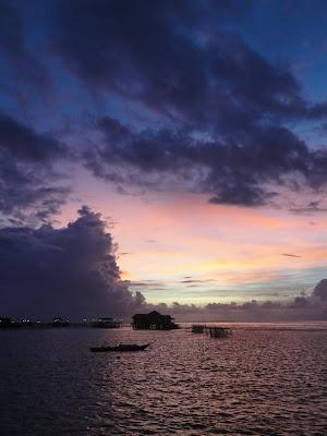 Insula Derawan la apus de soare