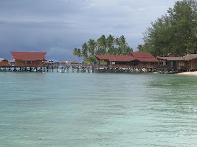 portul Derawan pe o insula tropicala