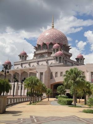 Moscheea Roz din Putrajaya