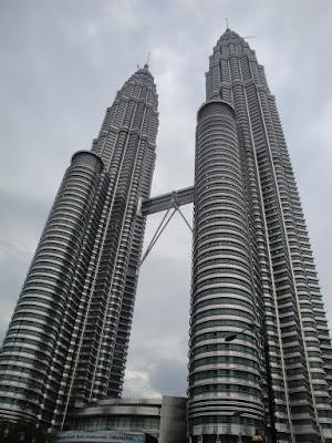 Turnurile Petronas din Kuala Lumpur, cele mai inalte din lume
