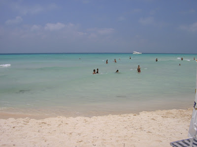 plaja alba, mare verde - Caraibe