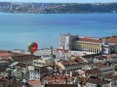 Imagini Portugalia: panorama Lisabona Praca do Comercio