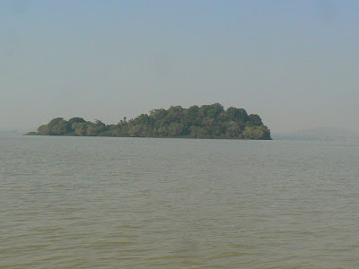 Obiective turistice: lacul Tana, la izvoarele Nilului Albastru