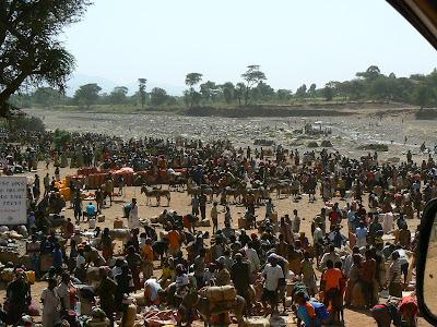 Imagini Etiopia: targ african pe Omo Valley