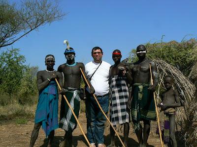 Obiective turistice Etiopia: cu barbatii din satul mursi