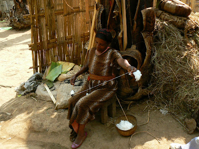 Obiective turistice Etiopia: femeie dorze