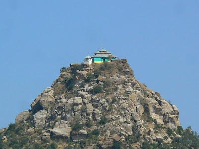 Imagini Etiopia: biserica in varf de munte in Tigray