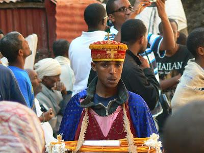 Imagini Etiopia: diacon la Lalibela