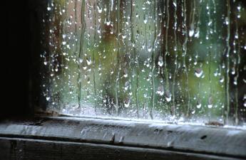 [janela com chuva.jpg]
