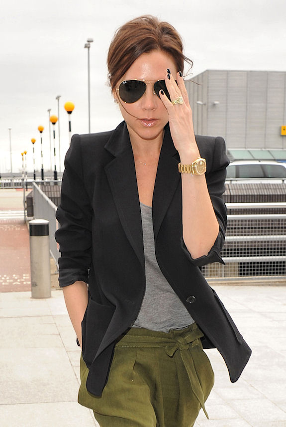 I think Victoria Beckham looks fabulous here and her hair looks simply tied