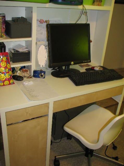 Ikea Schminktisch Hemnes Preis ~ Micke desk and hutch and Snille chair all from Ikea