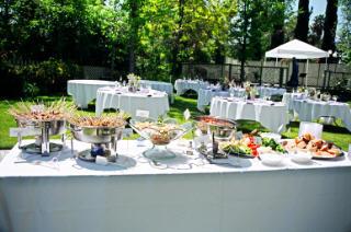 Fiestas con encanto buffet en casa buffet sin esfuerzo for Casa jardin buffet
