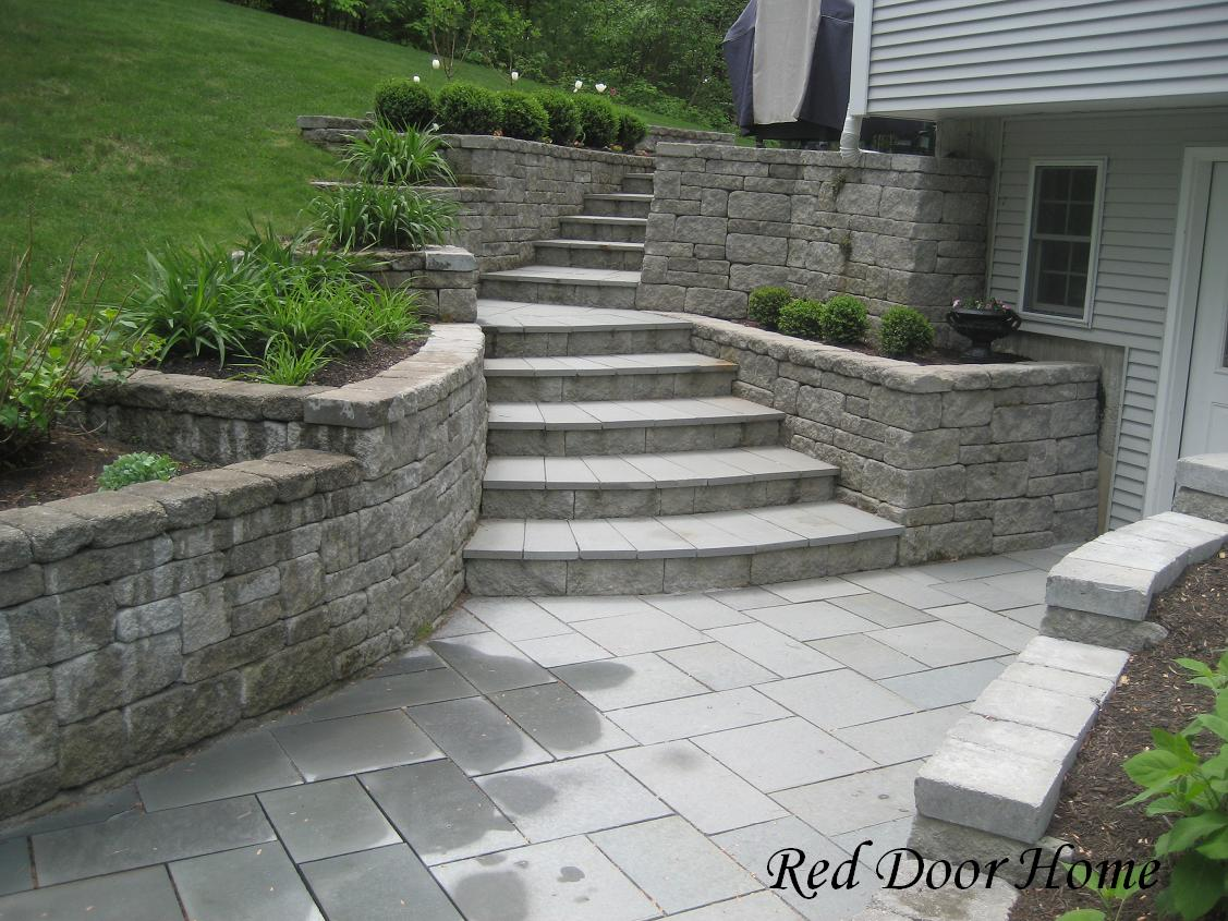 Remodelaholic worth the wait landscape party highlight for Walkout basement retaining walls