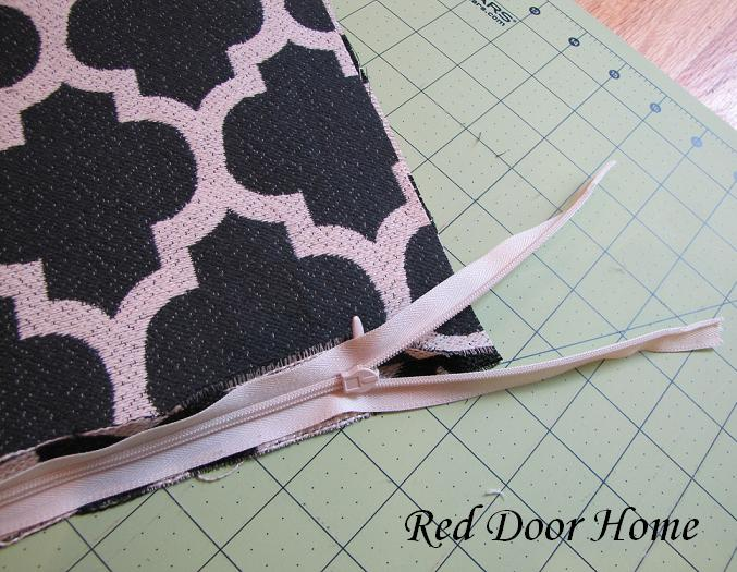 & Red Door Home: How to Sew a Pillow Cover with an Invisible Zipper pillowsntoast.com