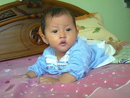 Nadira Tengkurap
