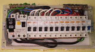 Electrical Installation Wiring Pictures: 1-Phase ELCB Connection ...