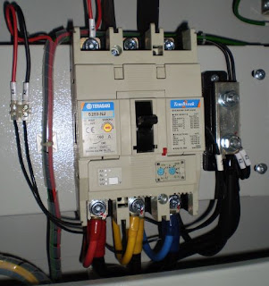electrical installation wiring pictures switchboard earthing pictures rh electricalinstallationwiringpicture blogspot com Transformer Wiring Single Switch Wiring