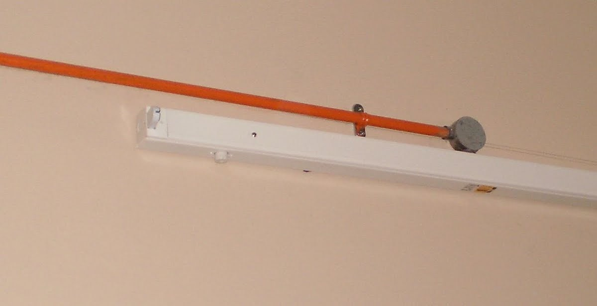 Electrical Installation Wiring Pictures  Bare Fluorescent Light Pictures