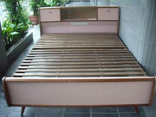 OF RETRO, ART DECO & ANTIQUE BEDS   CIRCA 1920''S  70'S | Bobs
