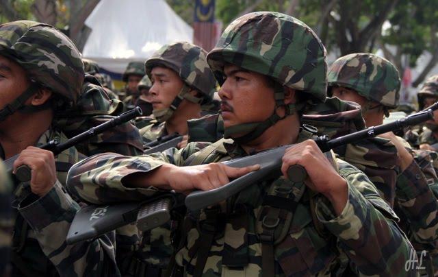 tentrera malaysia, tentera perbarisan, gambar sekitar merdeka 2011, merdeka 2011